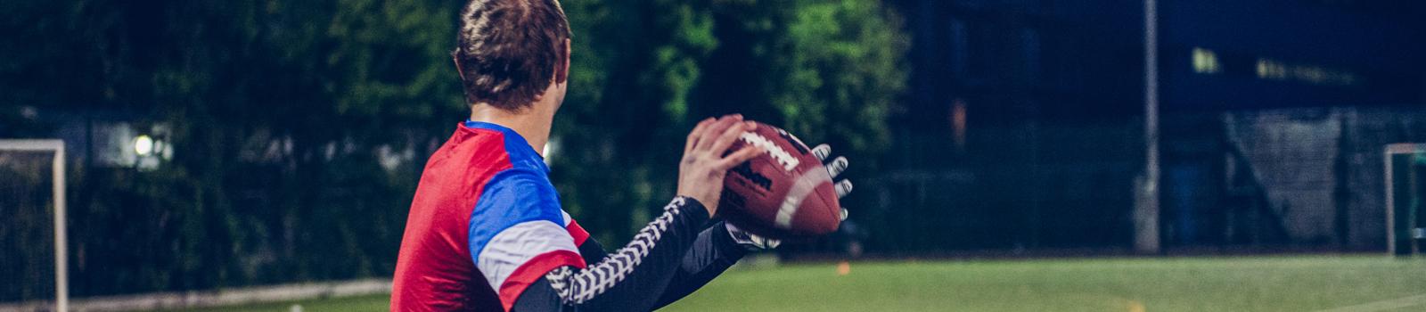american football thrower